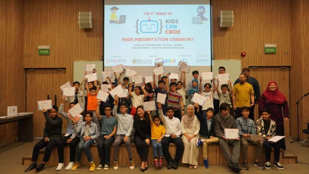 BruneiKidsCanCode group photo